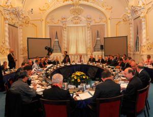 EKP:n neuvosto pohti Bratislavan linnassa uusia keinoja saada raha liikkumaan Euroopassa.