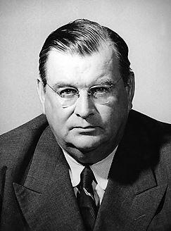 Ulkoministeri Eljas Erkko (1895-1965) ei antanut periksi Neuvostoliiton aluevaatimuksille Suomessa. Erkko vaikutti vuodesta 1927 Helsingin Sanomien johdossa.
