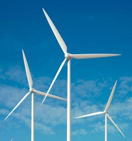 Tuuliko se poliitikkojen huulia energiapolitiikassa heiluttaa?